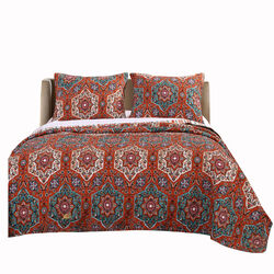 Medallion and Floral Motif Print Polyester Full Quilt Set, Red