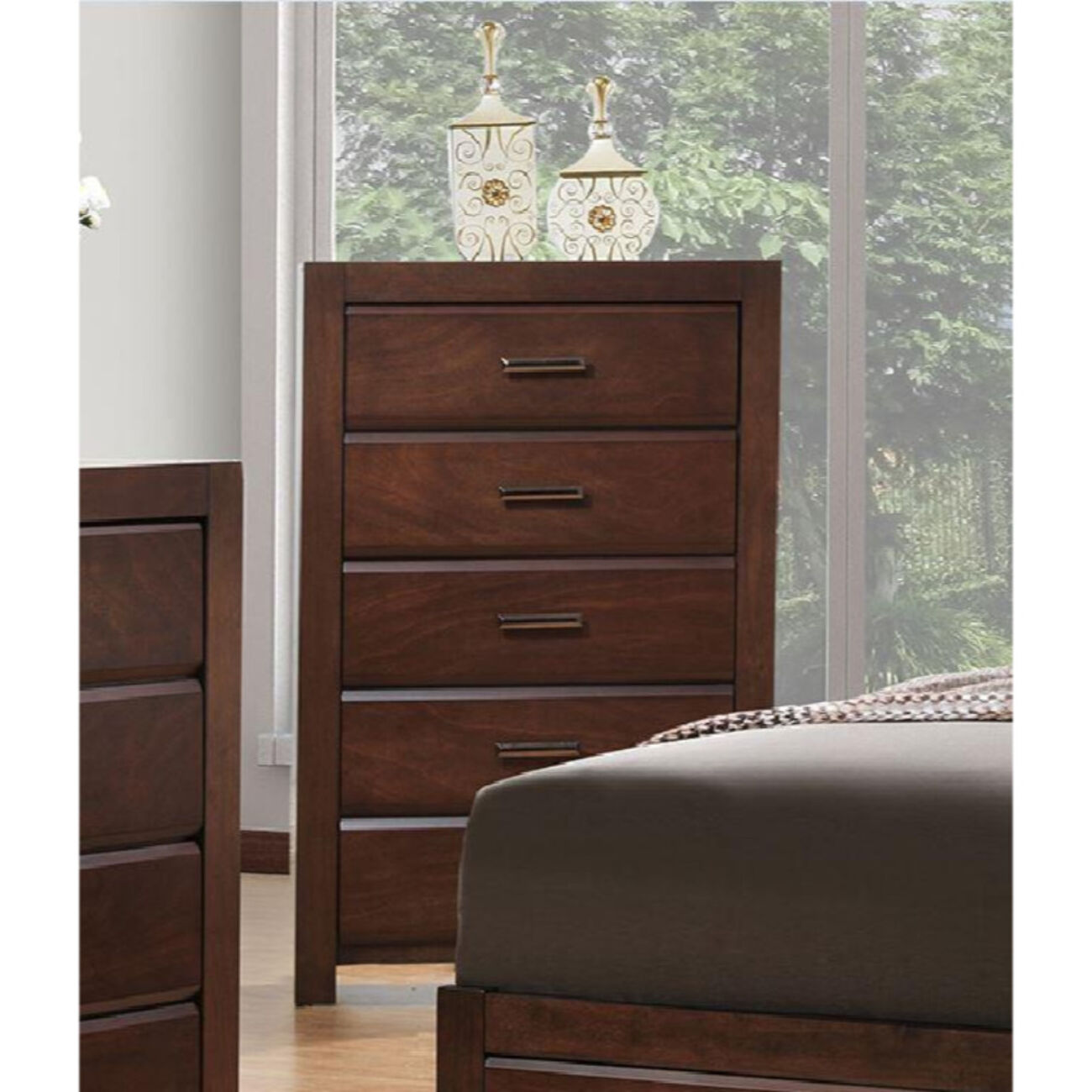 5- Drawer Chest In Solid Wood Brown