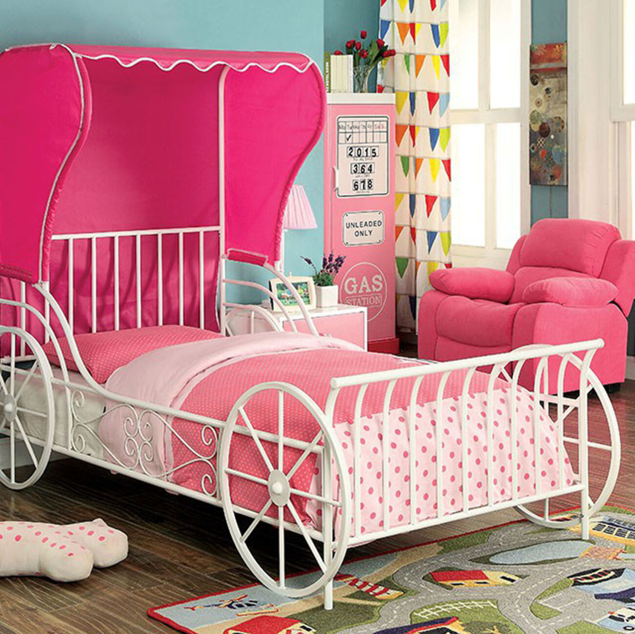 Metal Full Size Carriage Bed With Pink Wingback Tent, White